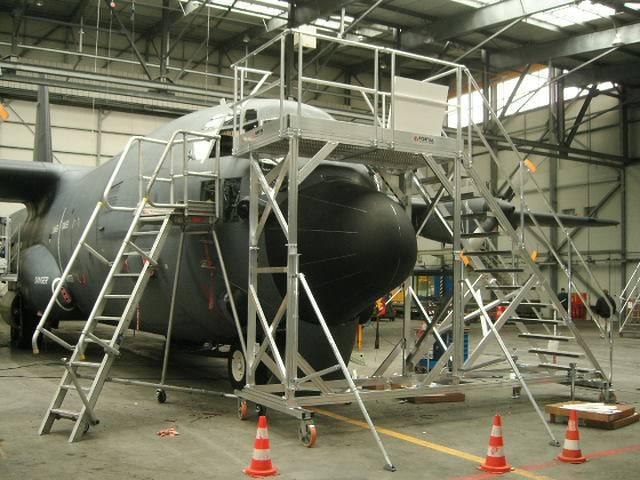 Dock accès pare brise pour avion Hercule C130