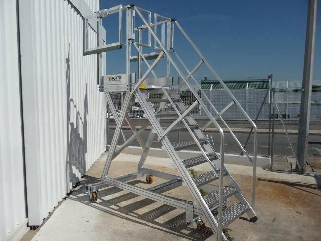 Stepladder « all work » for small type helicopters