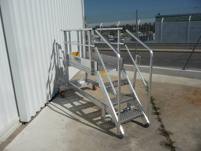 NAC access stepladder for mounting structure Super Puma helicopter