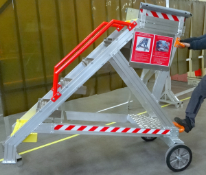 Technical runway and stopover rocking 6 steps stepladder