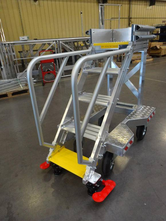 Technical runway and stopover stepladder