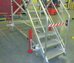 Staircases-left-right-access-platforms-for-deck-meca-helicopter-H160