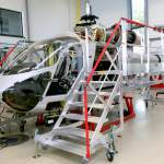 Lateral docks for helicopter maintenance