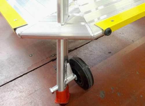 Trapezoidal one-piece step stool 3 steps