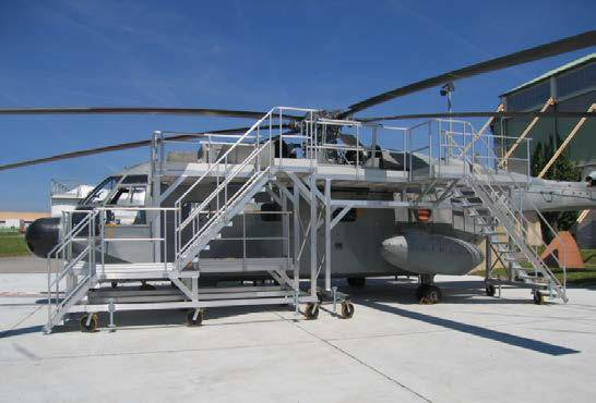 Platforms for access and maintenance operations on helicopter