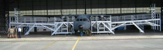 Plateforme de maintenance pour avion 2
