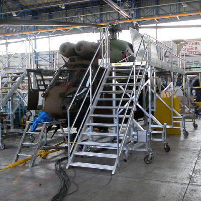 Plateforme de maintenance pour hélicoptère Puma
